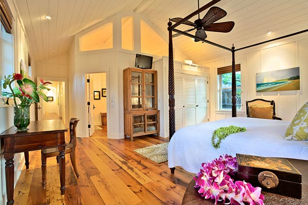 Hawaii Surf Retreat Lodge